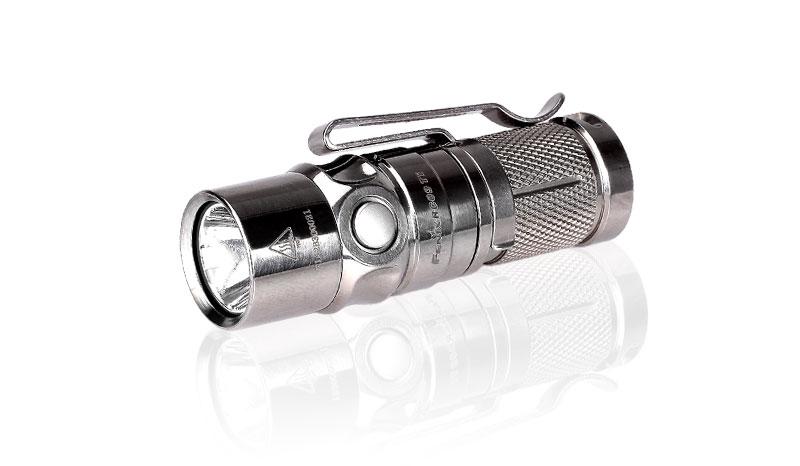 Nabíjecí LED svítilna Fenix RC09 Titanium